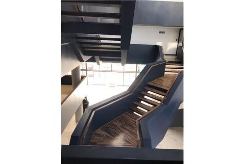 impecable oficina en k 41 polo empresarial 68 m2