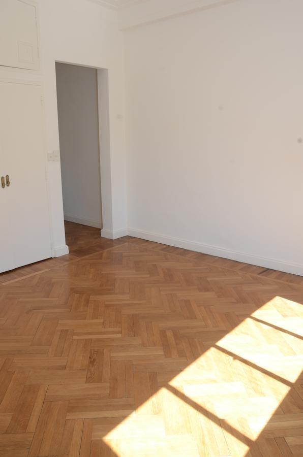 impecable piso 9° al contrafrente en barrio norte, muy luminoso!
