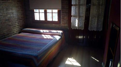 impecable propiedad en fisherton de 3 dormitorios
