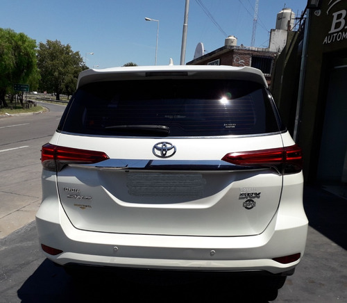 impecable toyota hilux sw4 año 2016 con solo 82000km !