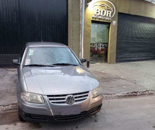 impecable vw gol power 1.6 año 2006 con solo 140000km !