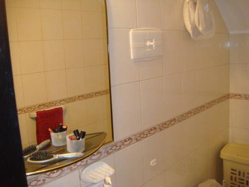 impecable,3 dormitorios 2 baños excelente ubicacion,muy buenos espacios