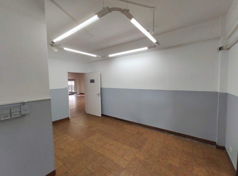 impecables oficinas en esquina av. triunvirato y quesada