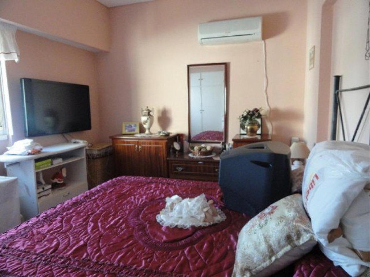 imperdible depto céntrico de 2 dormitorios, en venta.-