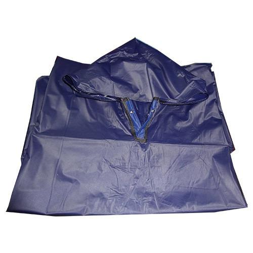 impermeable poncho o capa con manga azul marino