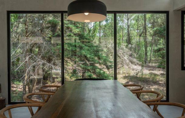 imponente casa en entorno natural