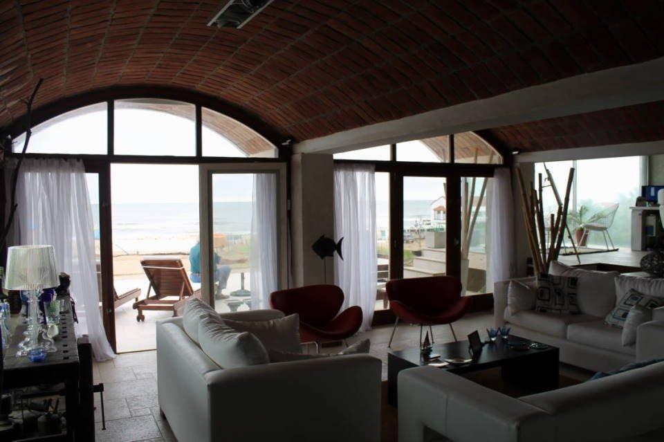 imponente casa frente al mar. espectaculares vistas