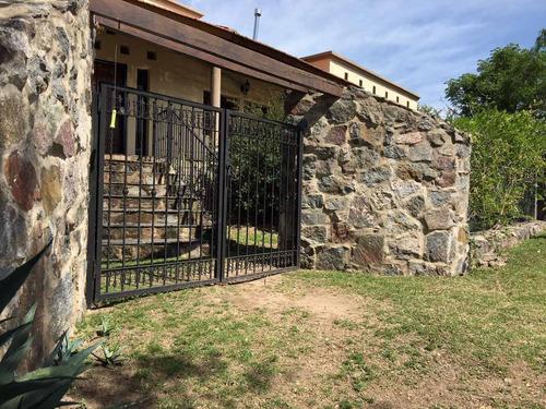 imponente casa quinta córdoba fte a lago san roque