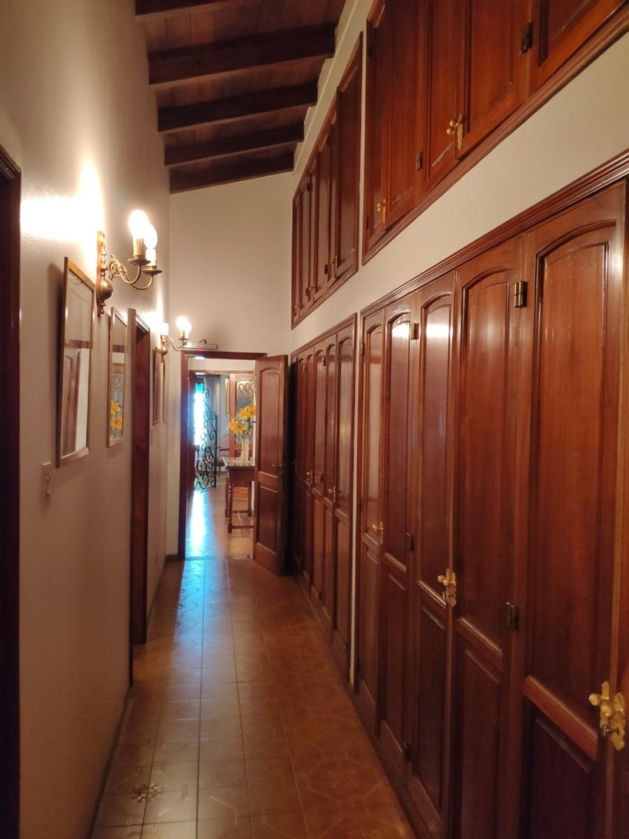 importante casa en arguello - zona colegio aleman
