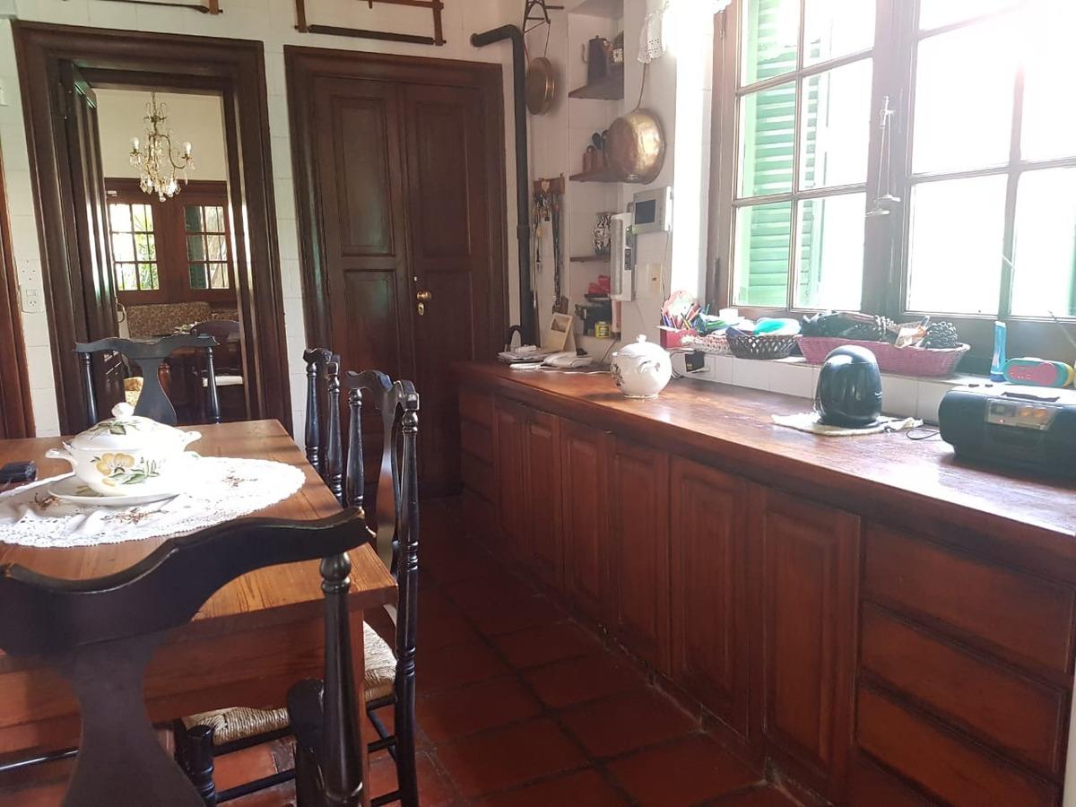 importante casa en casco histórico de olivos