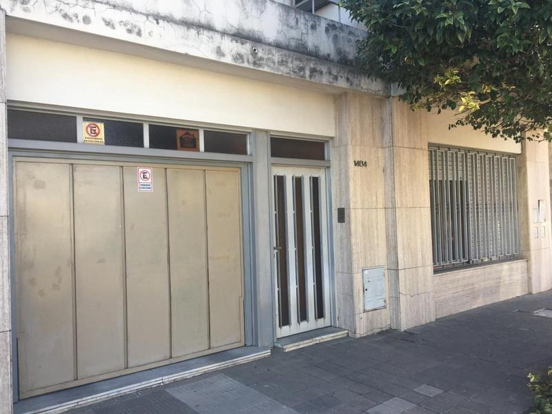importante casa en venta barrio azcuenaga !!!