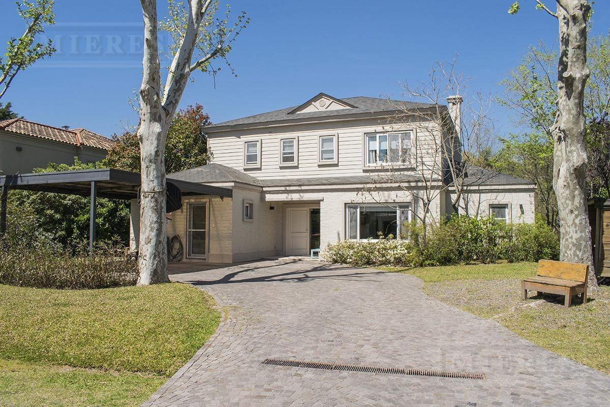 importante casa en venta en ayres de pilar