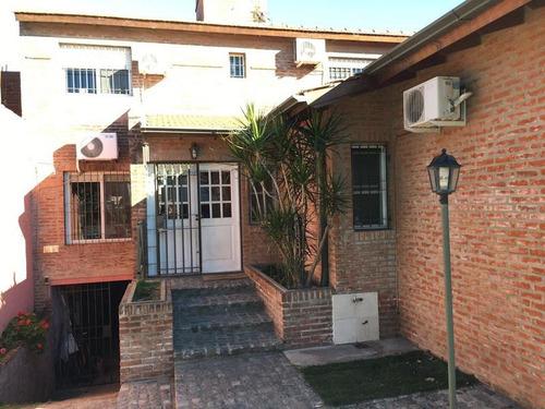 importante casa en venta en campana centro. 3 dormitorios. pileta