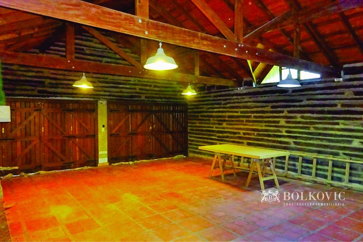 importante casa tradicional carilo