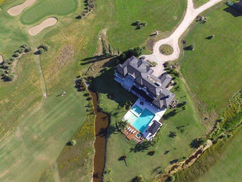 importante casona barrio  san eliseo golf