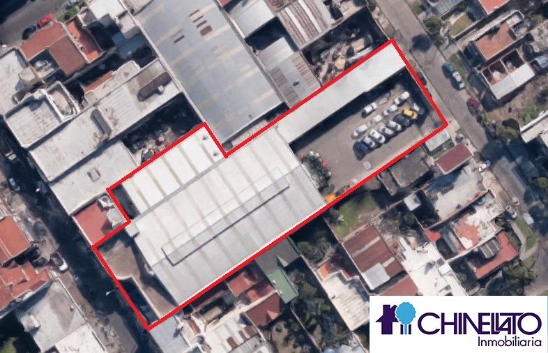 importante galpon de 2200 m2 cubiertos y 938 m2 libres