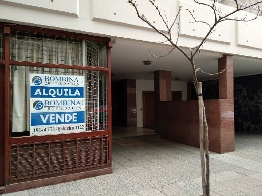 importante local en venta - la perla -