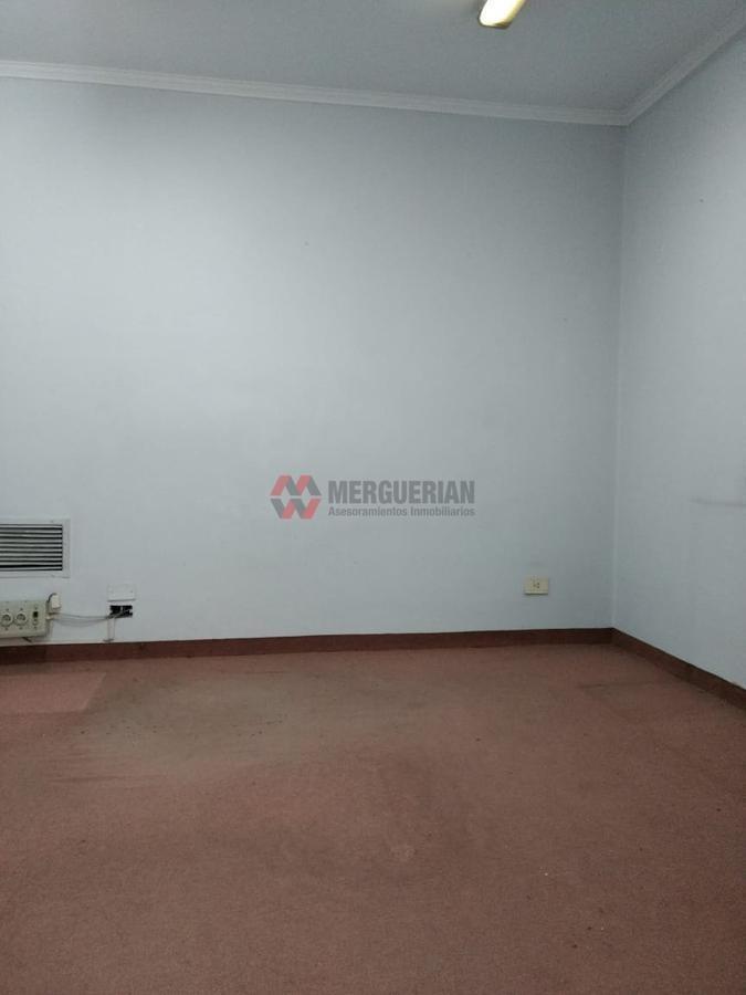 importante local sarmiento 200 / 1900 m2 / ideal consultorios!
