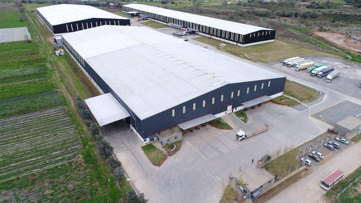 importante nave industrial de 7000 m2