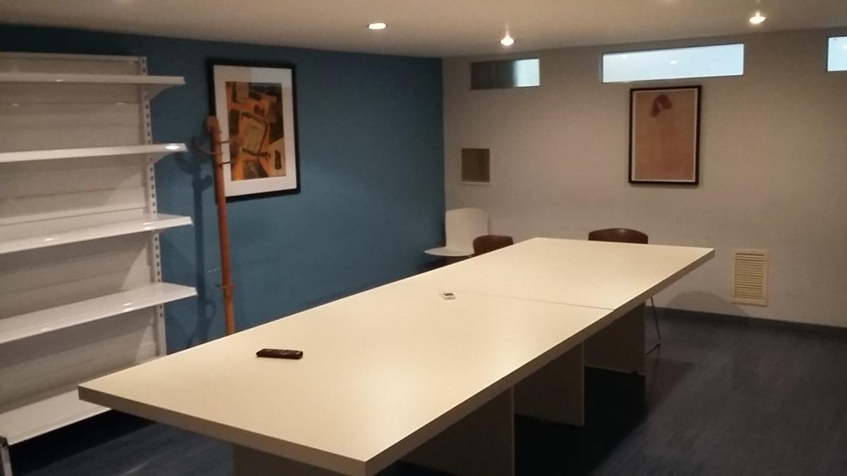 importante oficina en alquiler en casa sobre lote propio
