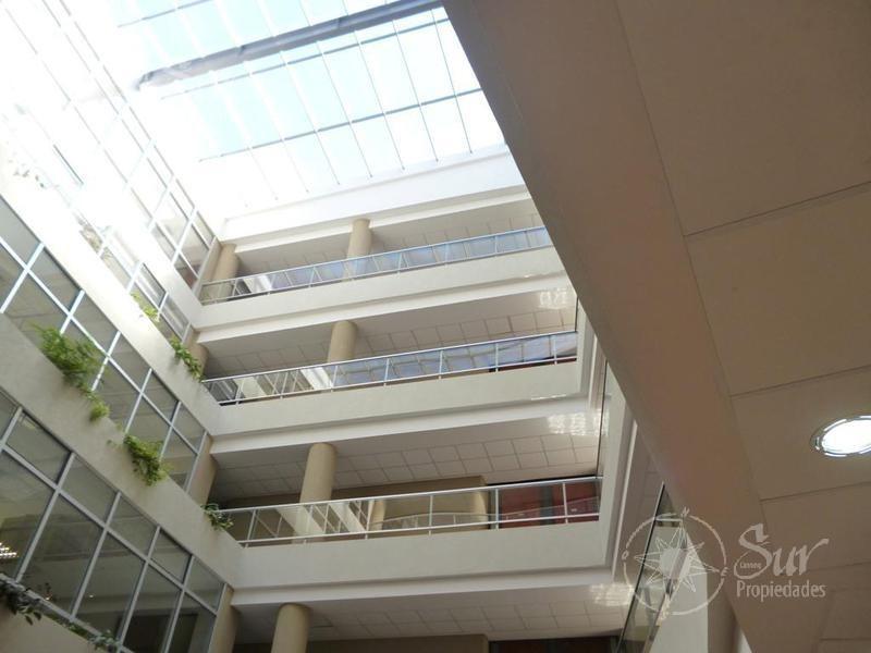 importante oficina en amaneceres office 80 metros con cochera .