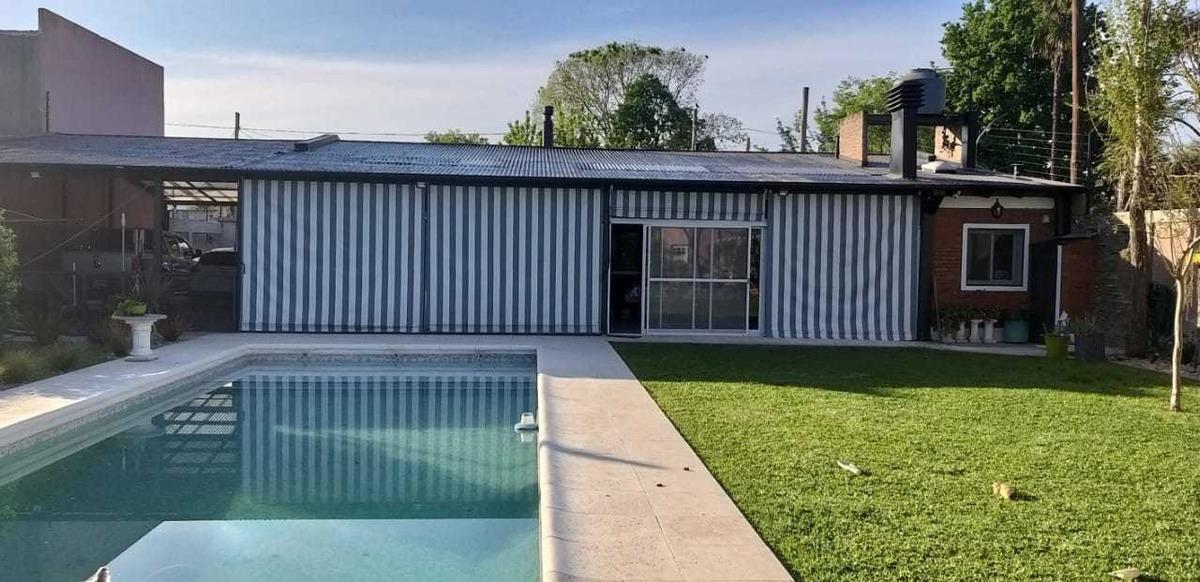 importante venta de casa estilo quinta en paso del rey