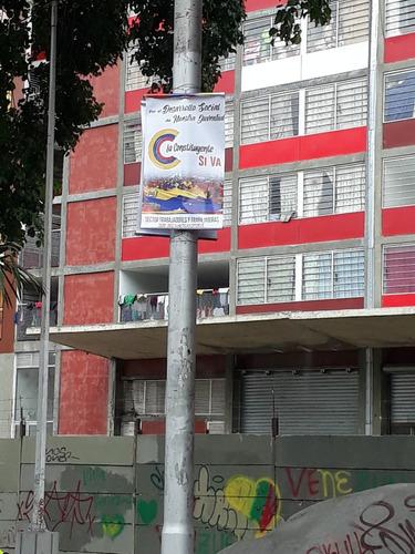 impresión de pendones para campaña en banner con palitos