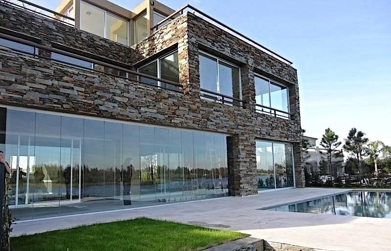 impresionante casa al lago en el golf de nordelta!!!