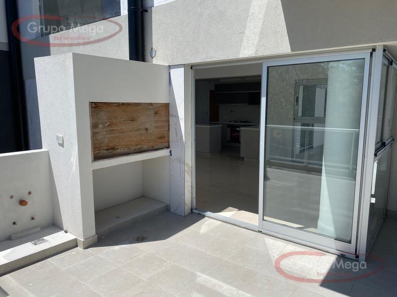 impresionante semipiso de 4 ambientes al frente a estrenar, con 2 espacios guardacoche