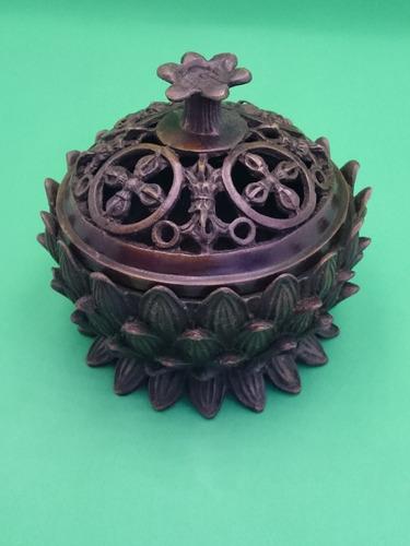 incensário flor de lótus com vajras no topo