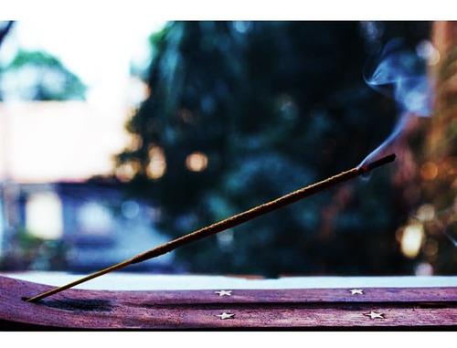 incensário madeira encrustado