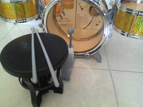 increible bateria con 5 tambores + bombo + piso + platillo