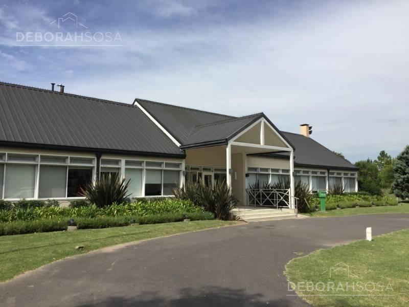 increíble casa en alquiler - bo. santa ana country club