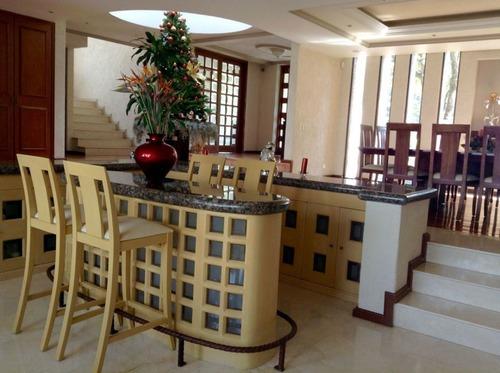 increible casa en lomas country