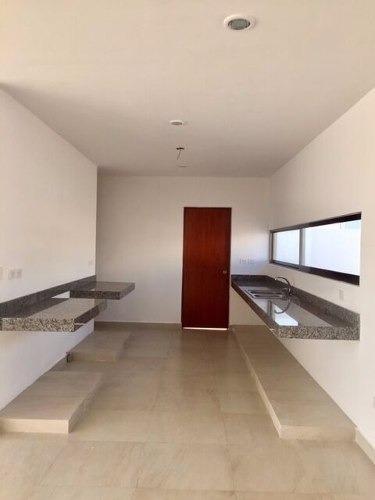 increible casa en praderas del mayab, a 10 min de altabrisa
