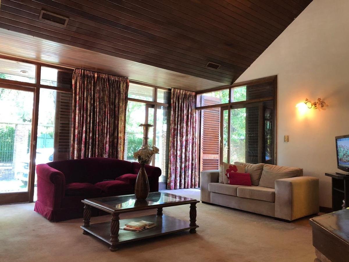 increible chalet 4 ambientes sobre lote de 829m2 en barrio bosque alegre urgencia de venta!