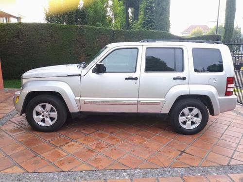 increíble jeep liberty como nueva!!! no busques problemas!!