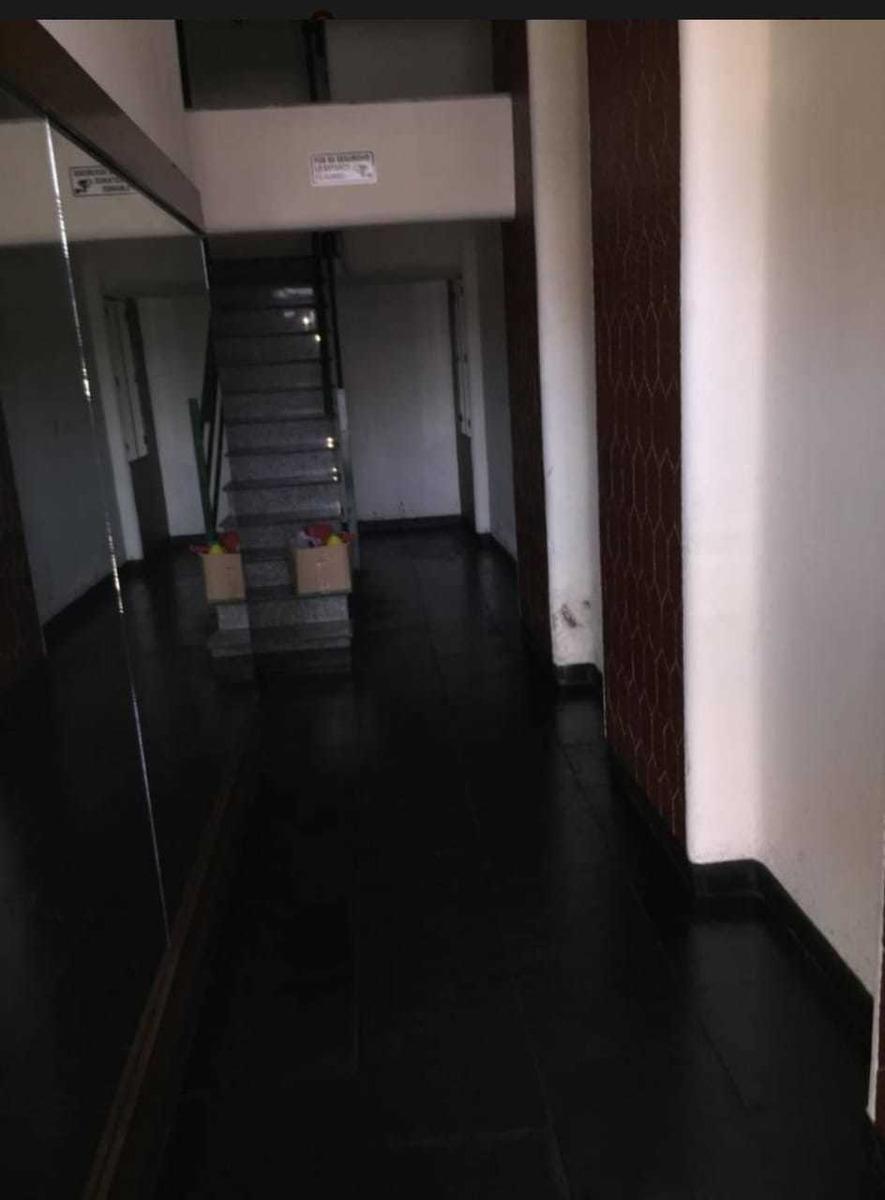 increible oportunidad excelente y cómodo piso de 5 amb.