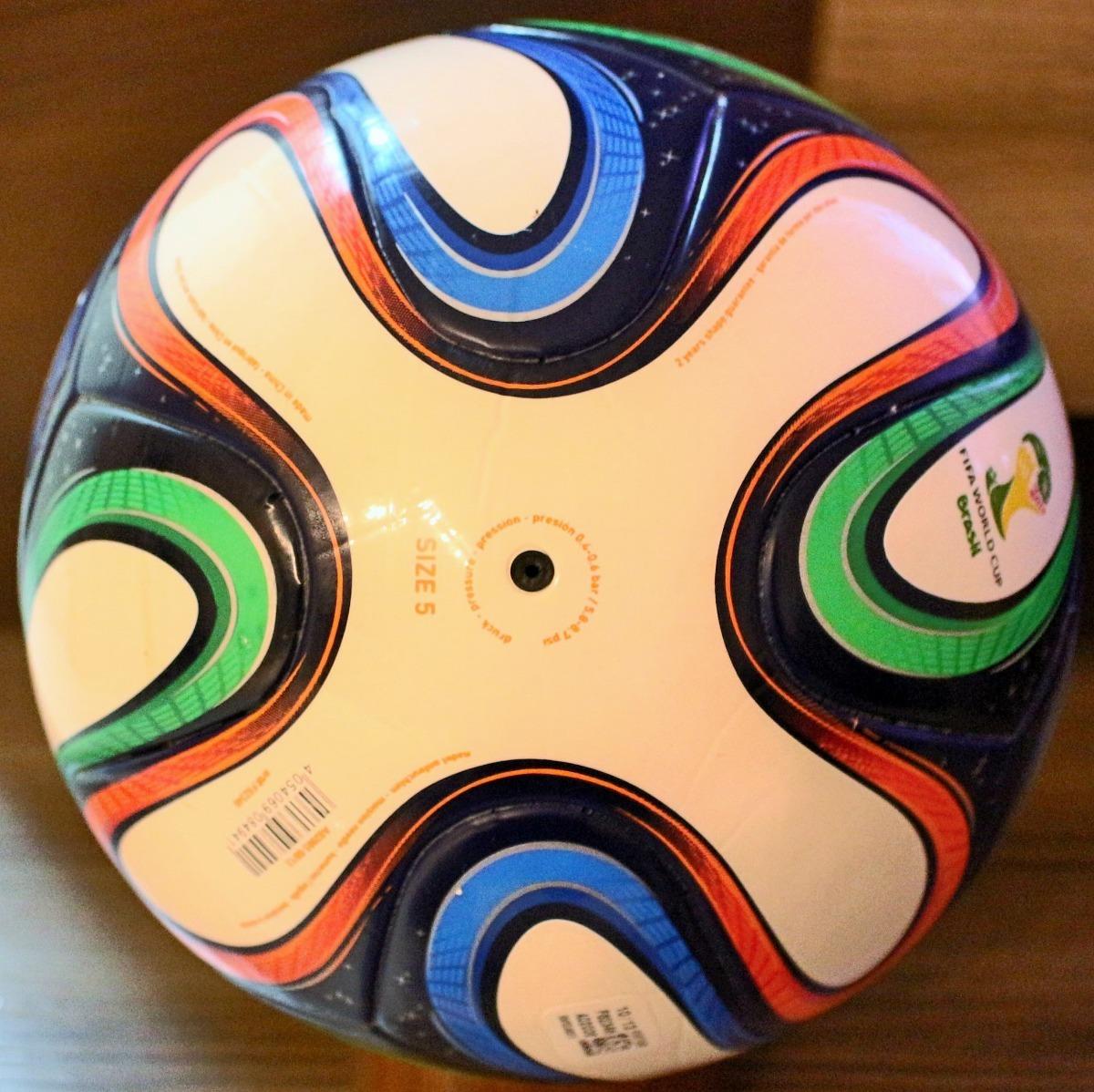 incrível bola adidas brazuca power lite sem costura. Carregando zoom. 01170086c97be
