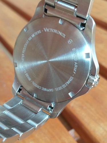incrível relógio victorinox military semi novo