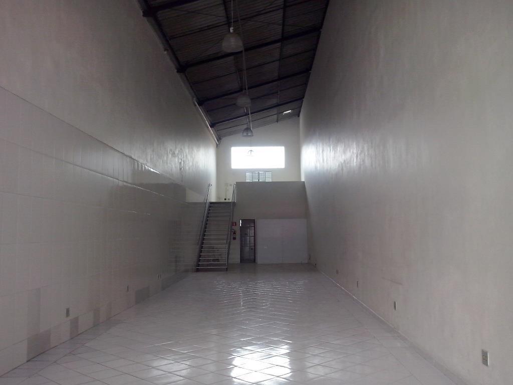 incrível salão comercial, bem distribuído, acabamento super caprichado, local privilegiado - no centro de s.a.!!!! - sl0052