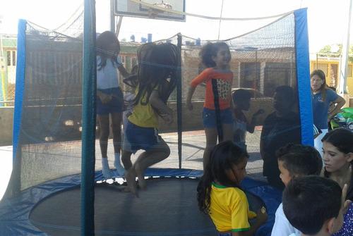 inflable animacion trampolin cotufera mesas sillas