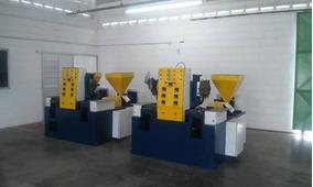 0c1dfdd28c2 Maquina De Fabricar Sapatilhas Plasticas no Mercado Livre Brasil