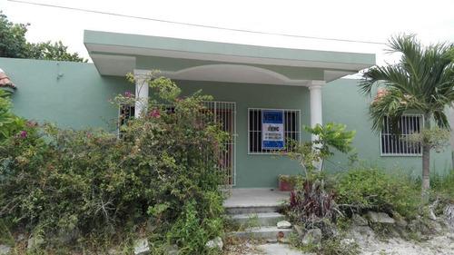 ¡inmejorable casa en venta en chicxulub puerto!