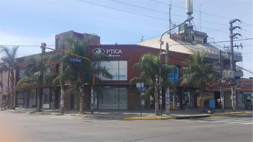 inmejorable local -en zona comercial-49 mt2 - con renta