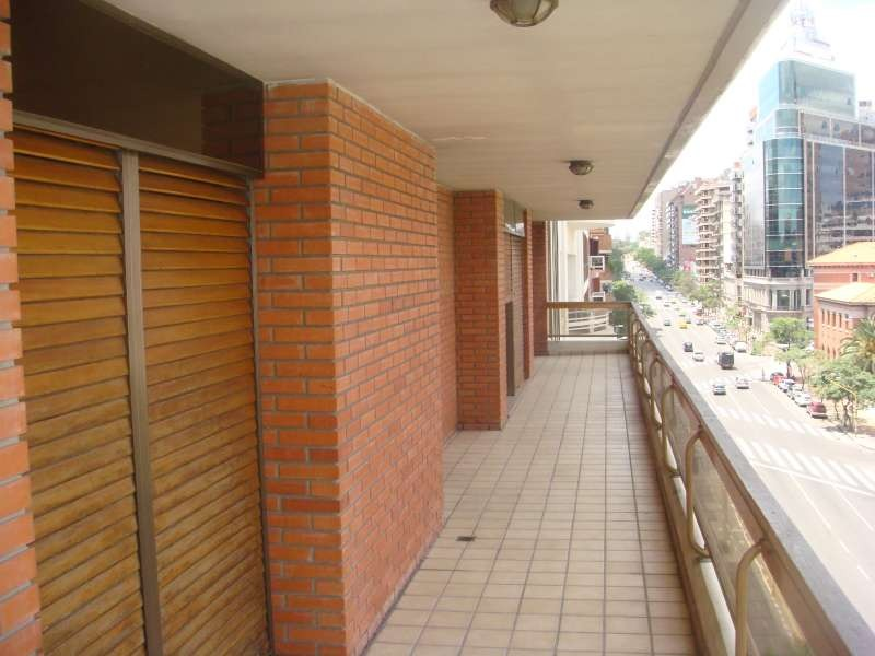 inmejorable piso y excelente ubicacion ,frente patio olmos