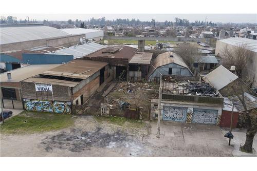 inmejorable ubicacion industrial en merlo