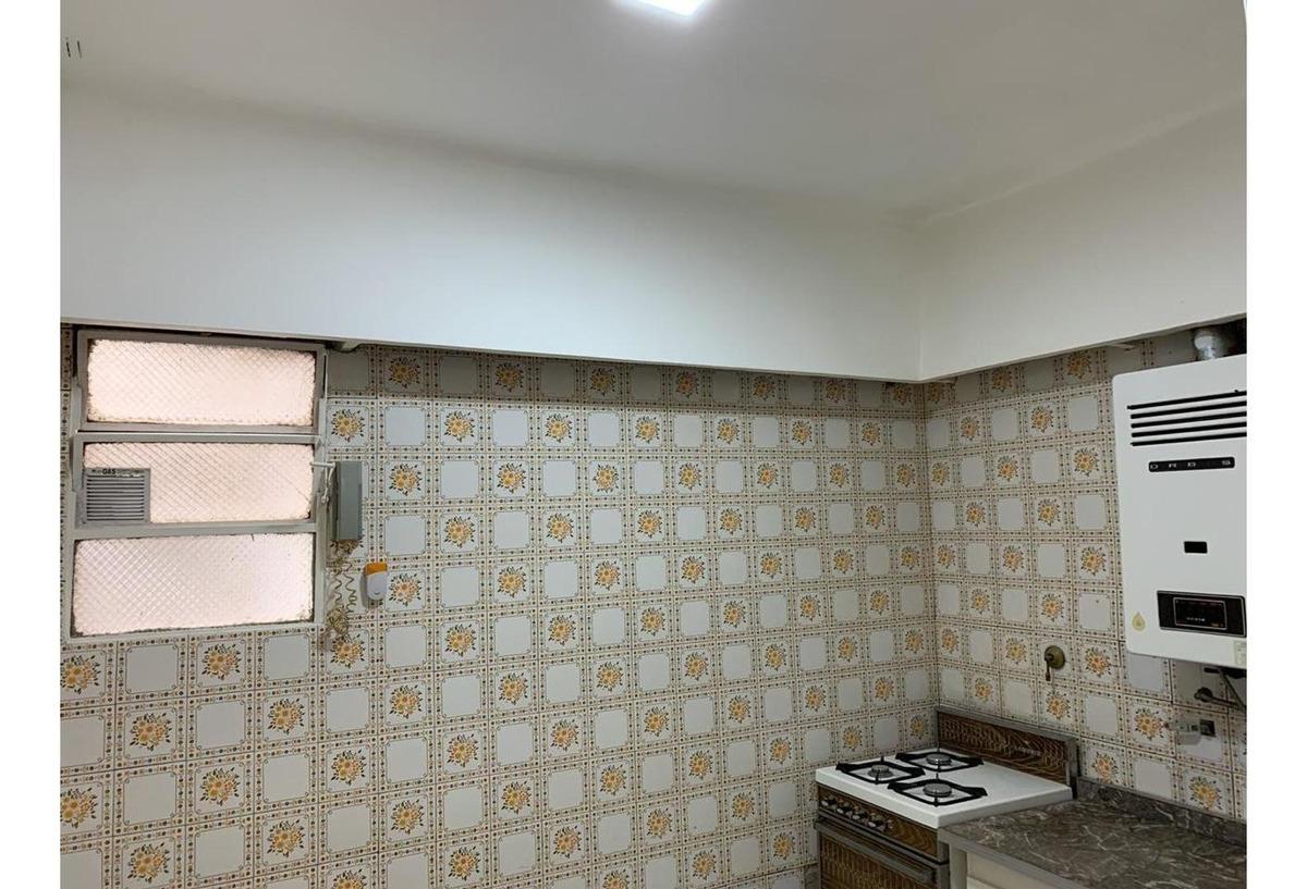 inmobiliaria vende ph 4 amb + patio villa del parque/monte