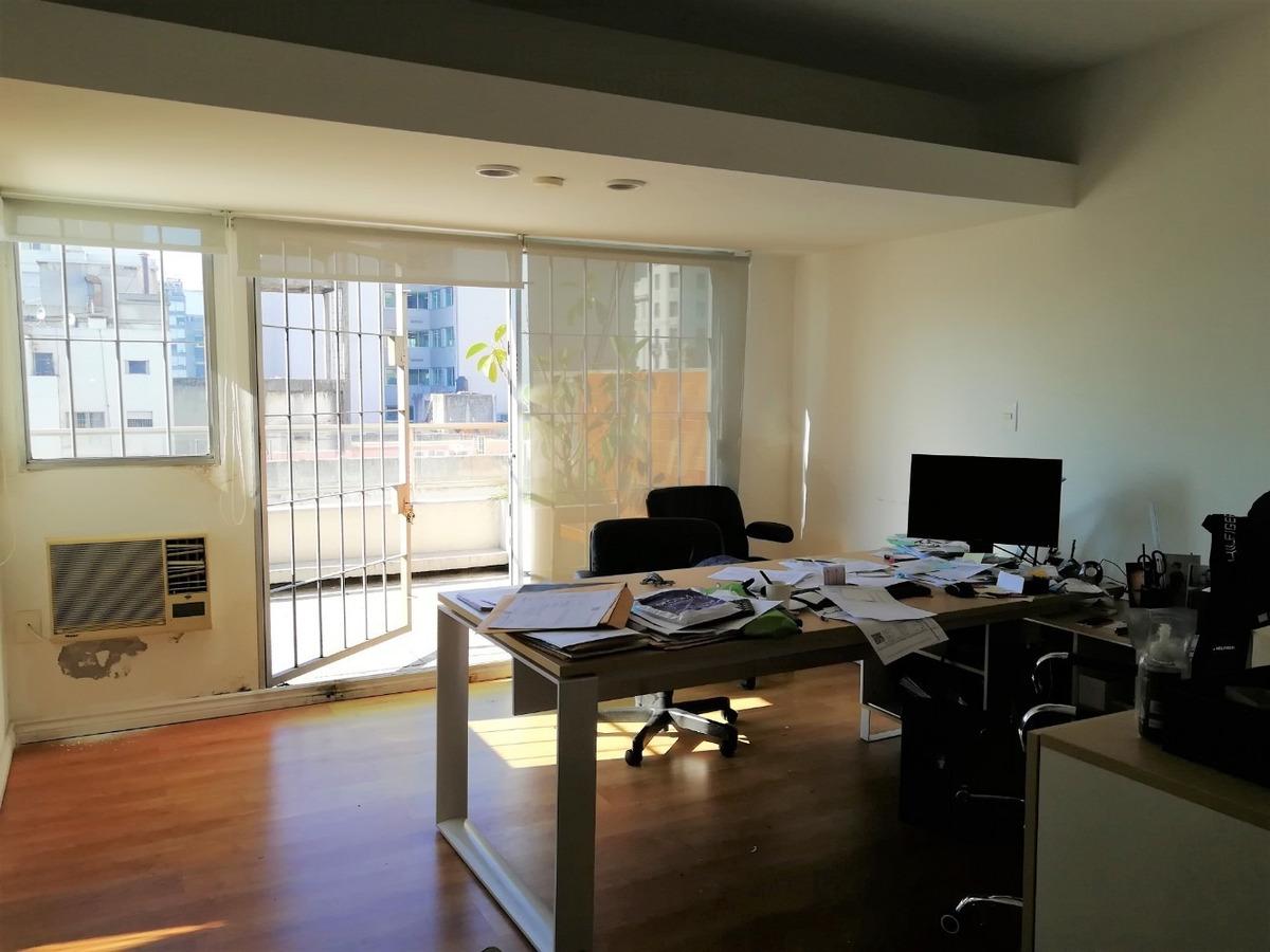 inmobiliaria verde vende amplia oficina garajes x 3 casi 18