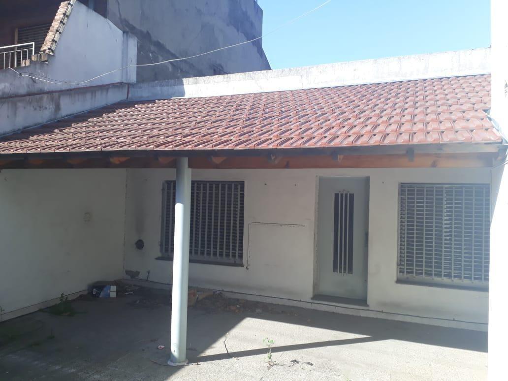 inmueble comercial 207 m² - casa c/ 2 cocheras y local - uso solo comercial - s.justo (ctro)